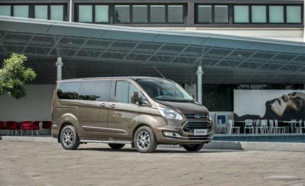 Ford Tourneo Titanium 1